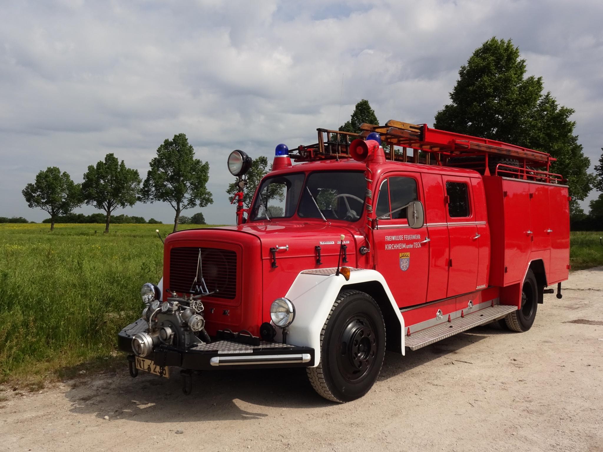 Löschfahrzeug LF 16 TS